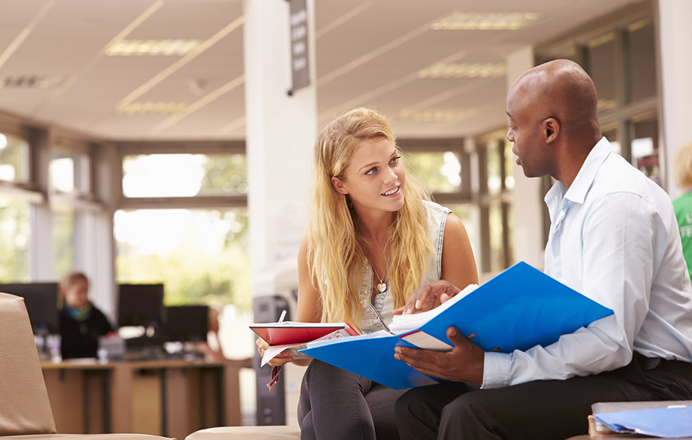 city-college-financial-aid-counselor-student
