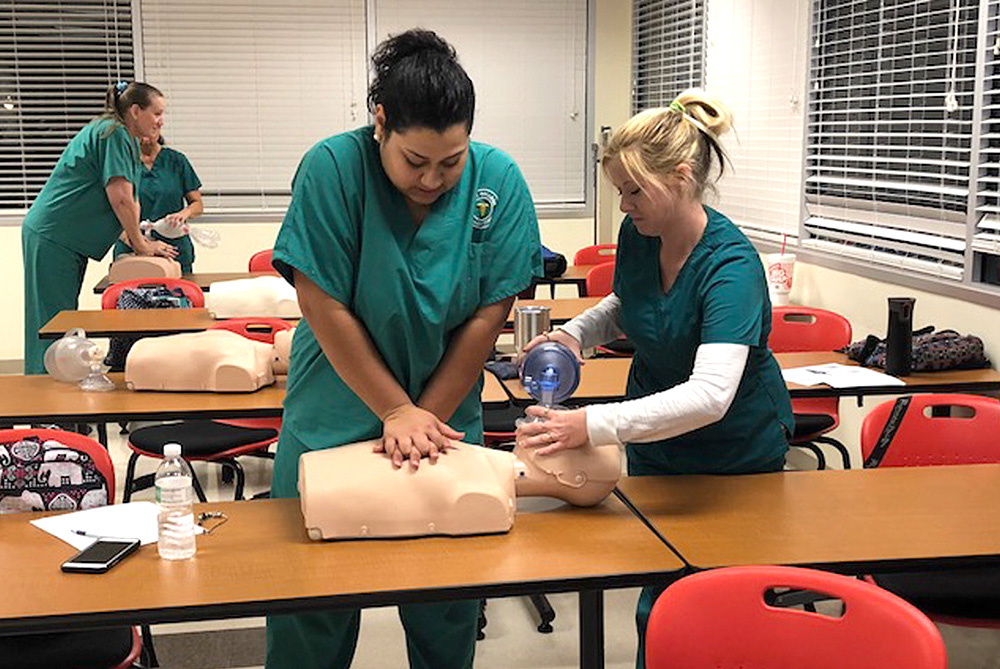 city-college-students-cpr-training